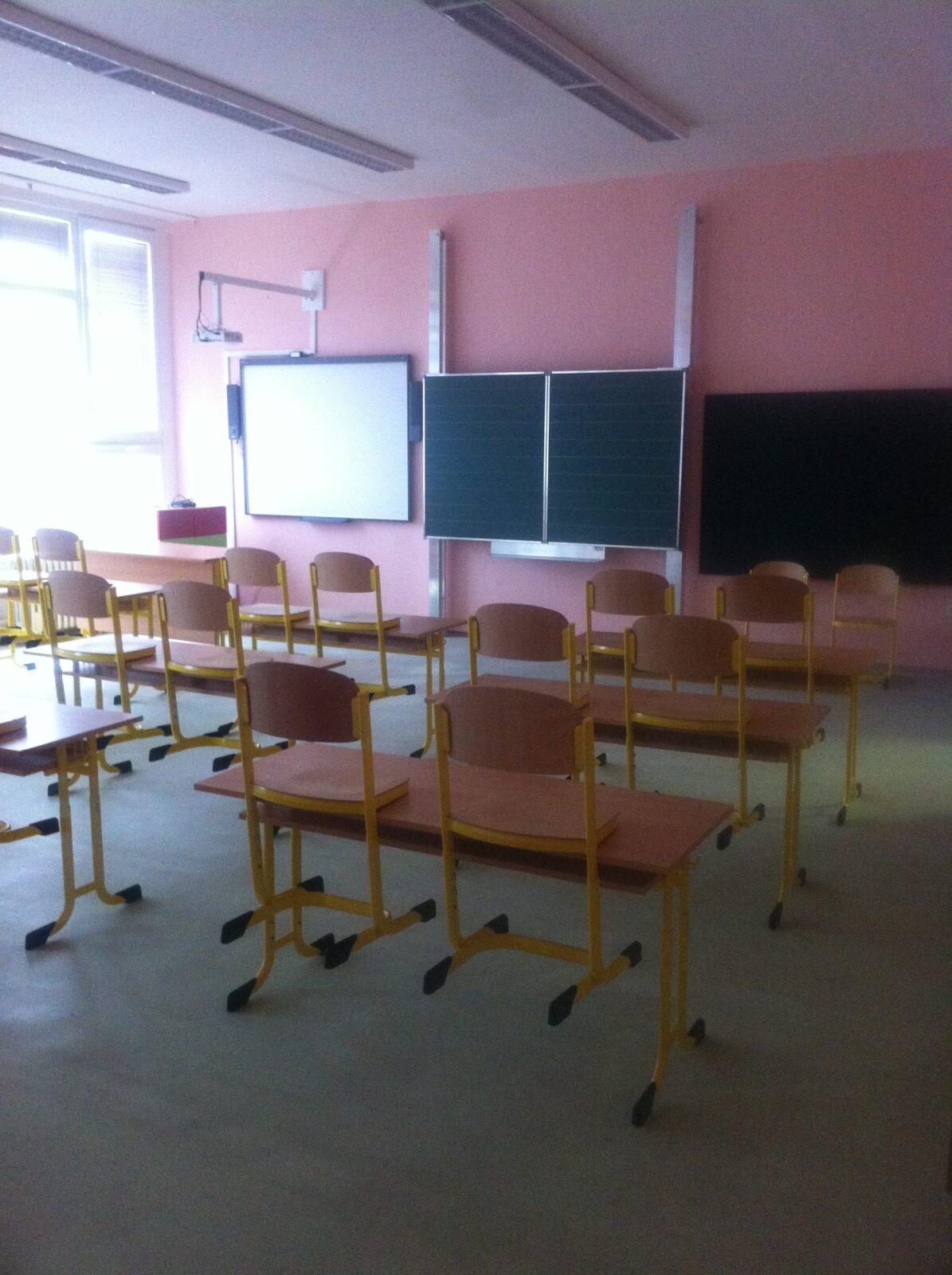 Budoucí 1. třída také s novou tabulí.