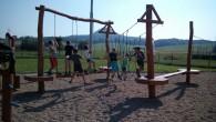 Žáci ze čtvrté třídy si užívali pěkného počasí vhodině TV návštěvou dětského hřiště. Podívejte se, jak si zacvičili a zadováděli. Tak hezky vyřešený prostor vybízející ke sportovním aktivitám jistě stojí […]