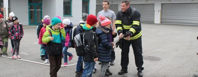 Vrámci projektu Hasík jsme se ve středu 19. 4. vydali sdruhým a šestým ročníkem do profesionální hasičské stanice vČeské Lípě. Po ověření vědomostí zpředchozí návštěvy hasičů u nás na škole […]