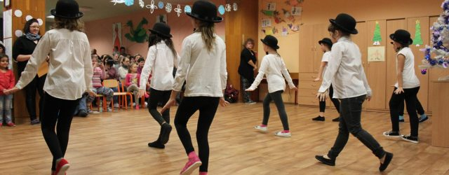 V posledním školním týdnu roku 2017 se žáci tanečního kroužku paní učitelky Štásové ze žandovské ZUŠ předvedli ve velkém stylu v naší školní družině. Děkuji panu Lůžkovi za parádní fotografie, […]
