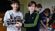 Jan Ámos Komenský kdysi řekl, že si máme ve škole hrát, a tak jsme si koupili LEGO. Ale ne jen tak ledajaké, našim mladým programátorům jsme pořídili ROBOTY! Žáci mají […]