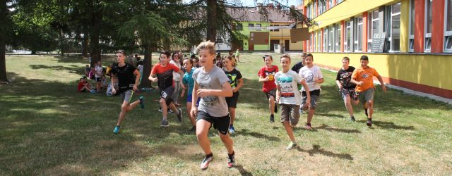 Ve středu 20.6.2018 jsme společně oslavili mezinárodní den běhání a to skutečně příznačně během kolem školy. Mladší ročníky měly trasu dlouhou 600m, tedy přesně dvě kolečka kolem školy, starší děti […]