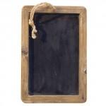 Dřevěná tabulka s křídou na psaní.