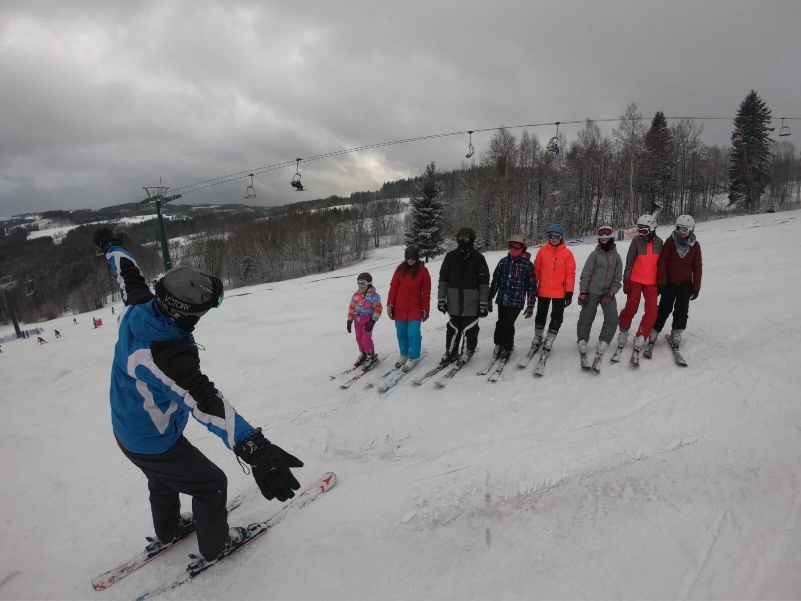 Na lyžařském kurzu…LYŽUJEME!!!